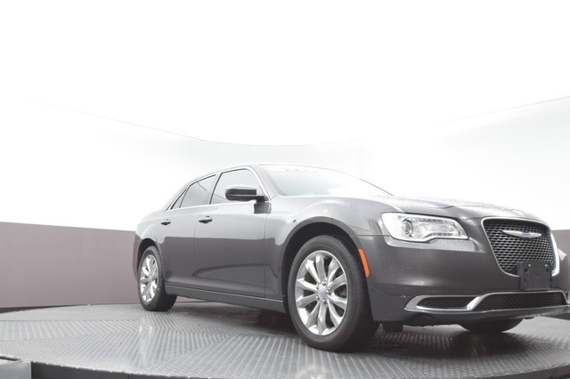 Pre-Owned 2017 Chrysler 300 Limited SP Honda 918-491-0100