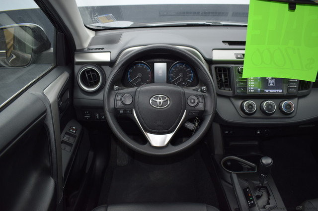 Pre-Owned 2017 Toyota RAV4 LE-CALL BOB HOWARD TOYOTA AT 405-936-8600!!
