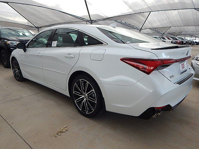 New 2020 Toyota Avalon XSE