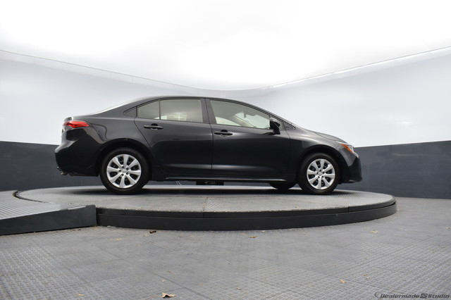 Certified Pre-Owned 2020 Toyota Corolla LE-CERTIFIED-BOB HOWARD TOYOTA 405-936-8600
